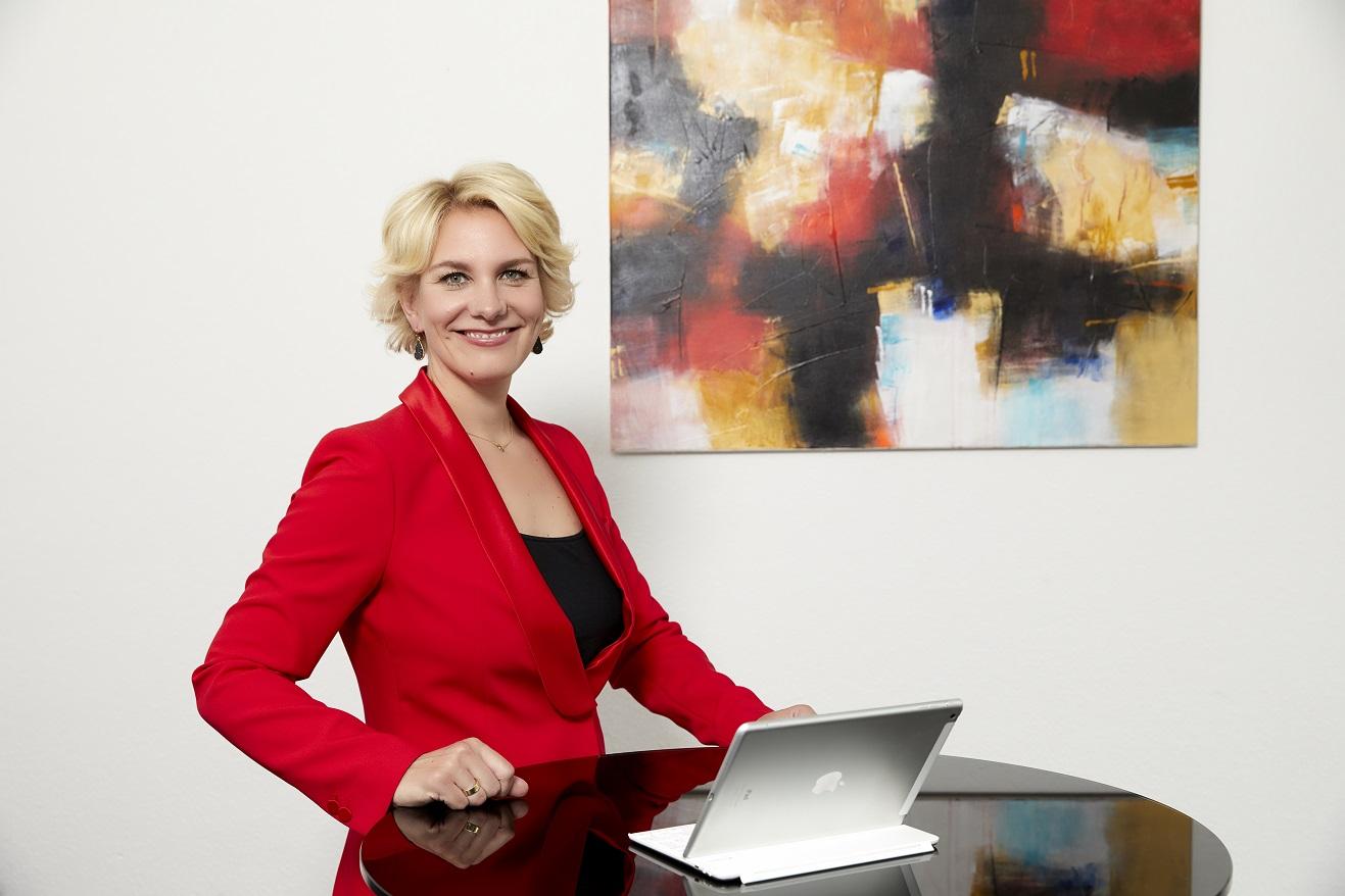 Nicole MUtschke Kanzlei Anwalt experte